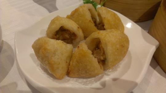 Deep fried dumpling with minced pork