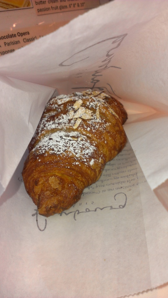 Faubourg Almond Croissant